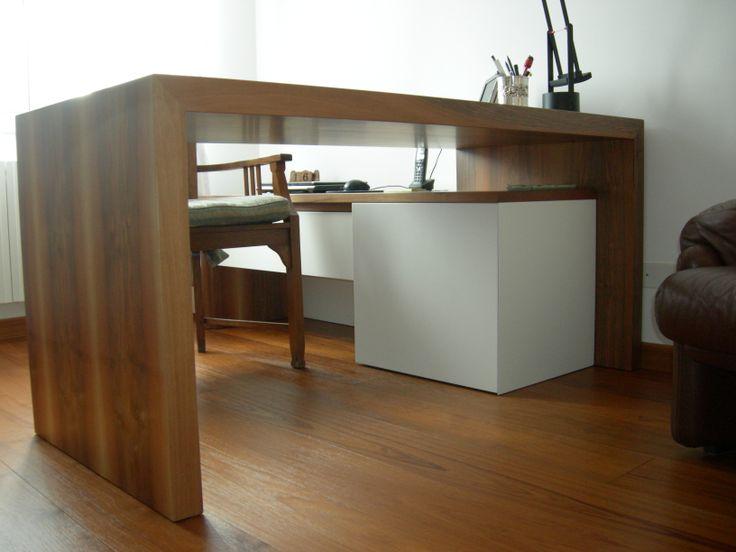 scrivania in Legno di Noce e Laccato Bianco Opaco