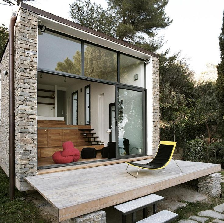A 377 Sq Ft Studio Retreat In Italy With A Stepped Floor Plan To Follow The