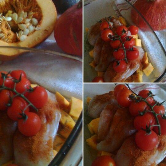 Kurczak na pieczonej dyni w towarzystwie pomidorków? Why not?! W końcu mamy jesień! :)