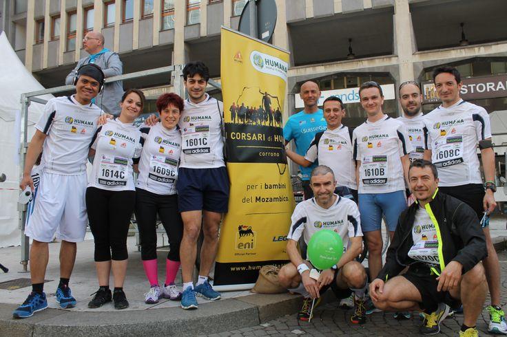 Milano Marathon 2014: alcuni #Corsari di HUMANA in attesa del proprio turno!   #milanomarathon #marathon #staffettaMi #runners #running #run #milano