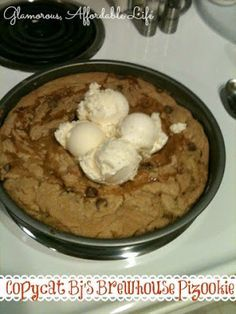 Glamorous, Affordable Life: Copycat BJ's Brewhouse Pizookie!!