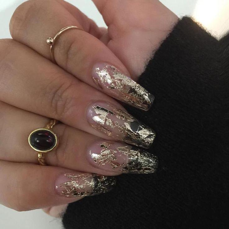 Gold flake nails