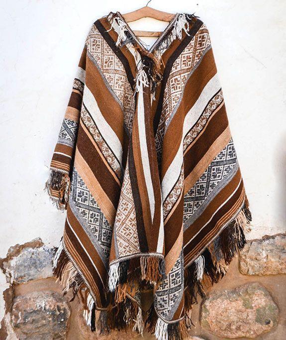 Hand-woven Traditional Peruvian Unisex Alpaca Poncho – 100% Natural Alpaca Fiber Size: 120 cm (width) x 160 cm (length) Fiber: 100% Un-dyed Alpaca, hand-spun PRODUCT DESCRIPTION This traditional-style