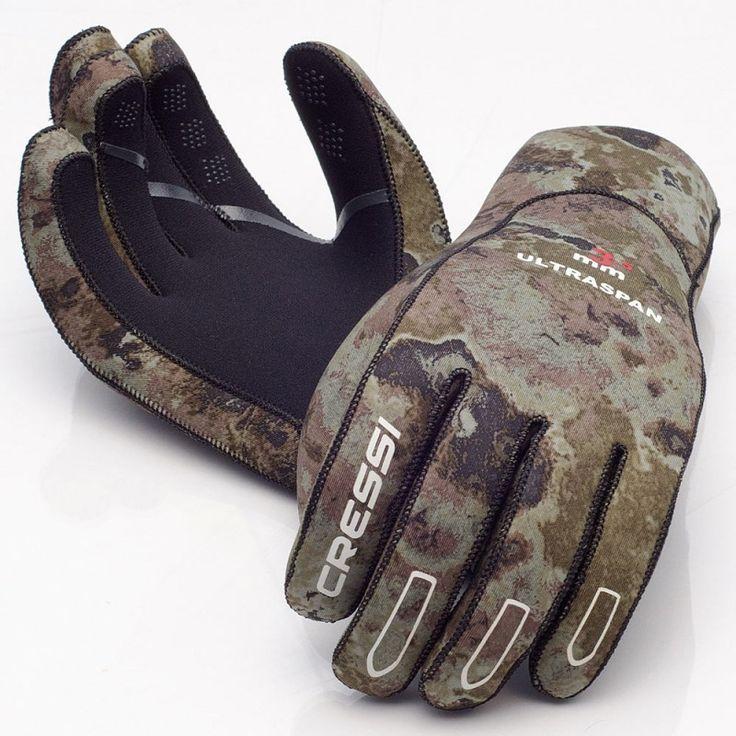 Τα γάντια Ultraspan είναι ιδανικά για καταδύσεις σε κρύα νερά καθώς προστατεύουν και διατηρούν τα χέρια σας σε σωστή θερμοκρασία, κλείνουν περιμετρικά τον καρπό και διασφαλίζουν ότι δεν υπάρχει εισροή νερού από τις ραφές.