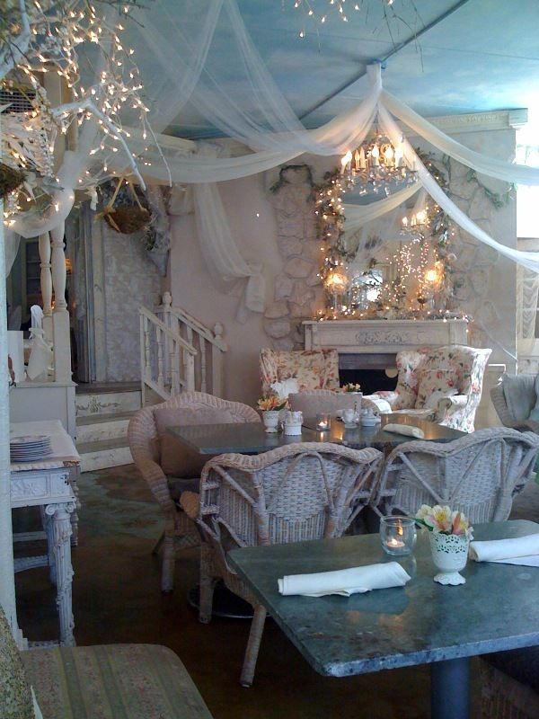 I wish I were a princess... so I could have this room in