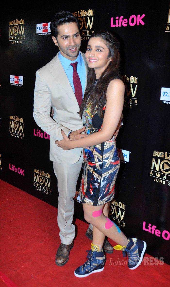 Alia Bhatt and Varun Dhawn at Life ok Awards 2014