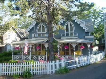 Love the house, the white picket fence, the flowers, etc., etc.!