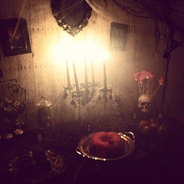 Spooky Haunted Garage Adult Party | CatchMyParty.com