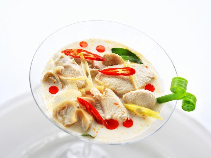Kokos-Geflügel-Suppe nach thailändischer Art - smarter - Zeit: 30 Min. | eatsmarter.de