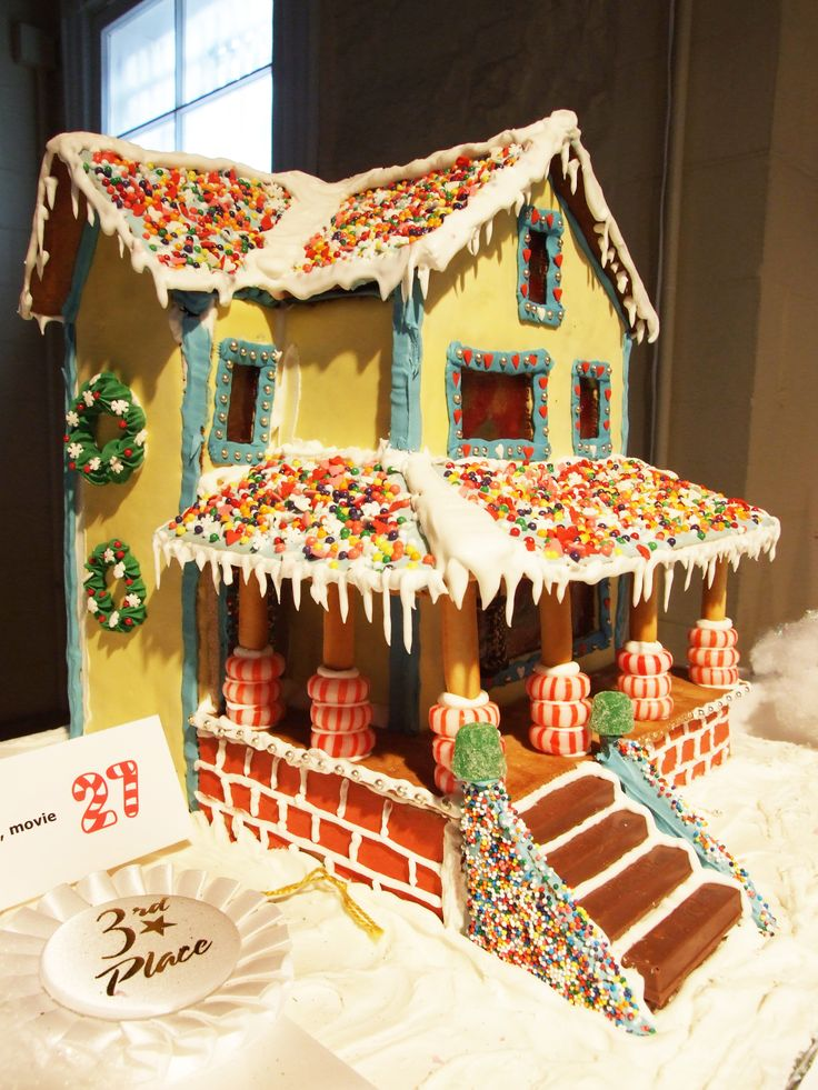 21 best gingerbread house inspiration images on pinterest for Gingerbread house inspiration