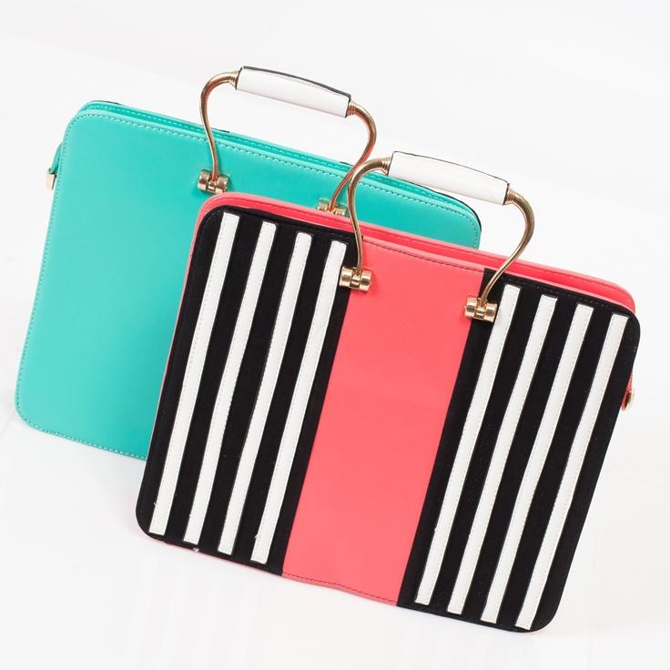 Estos bolsos KAMI tipo maletín, en colores verde menta o en coral con blanco y negro, son perfectos para ir a la oficina.