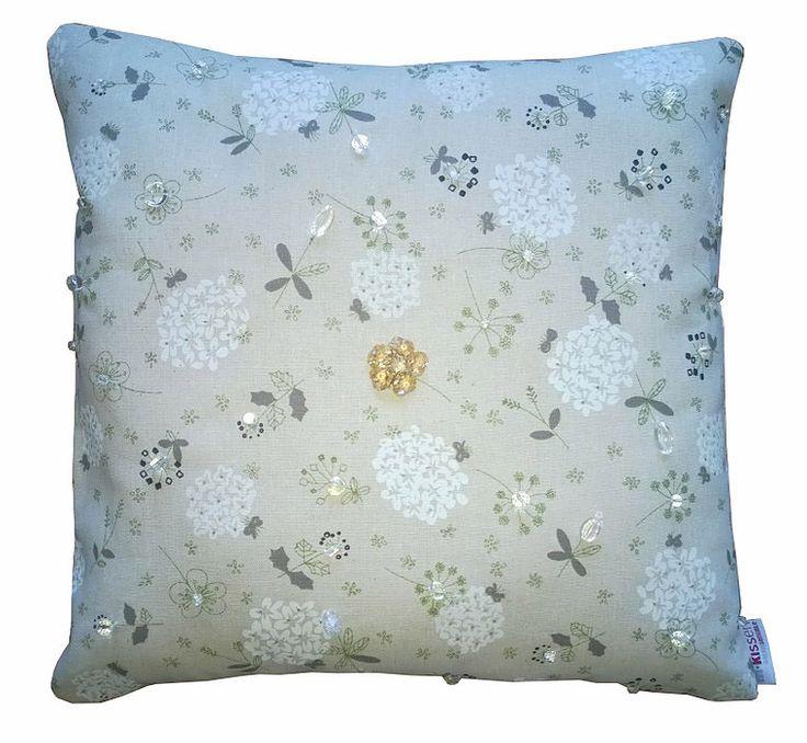 M.kissen handmade personalized pillow. M.kissen - A párnázatos: személyre szabott kézműves párnák a megrendelő egyedi igényei alapján.