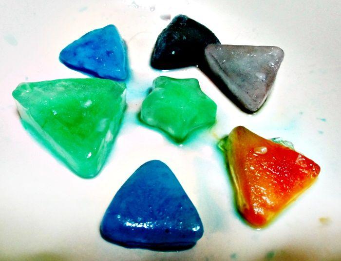 Cubitos de hielo de colores para refrescar el verano (una actividad muy sencilla)