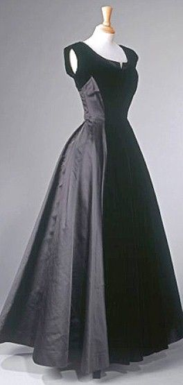 Evening Gown worn by Princess Elizabeth; Norman Hartnell, late 1940s
