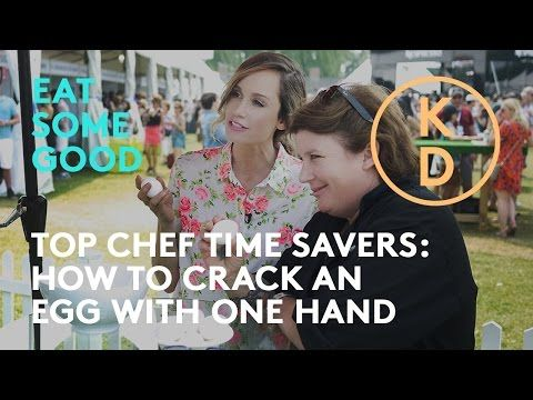 HOW TO Crack an Egg with One Hand: Lynn Crawford shows Kim D'Eon a Top Chef Time Saver - YouTube