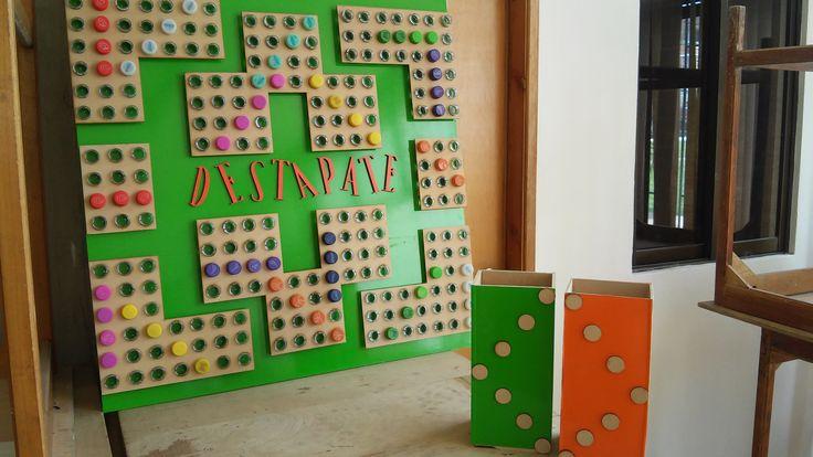juego ''DESTÁPATE'' realizado con madera reciclada y botellas plásticas. #DISEÑOINDUSTRIAL  #DISEÑO #AMBIENTAL #RECICLAJE
