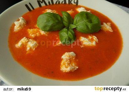 Rajčatová polévka s bazalkou a mozzarellou recept - TopRecepty.cz