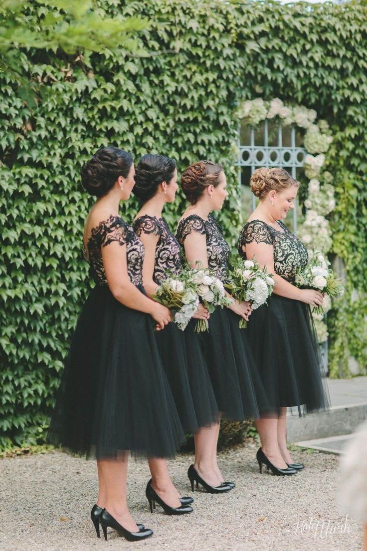 Tiffiney's bridesmaids wearing Natalie Chan dresses