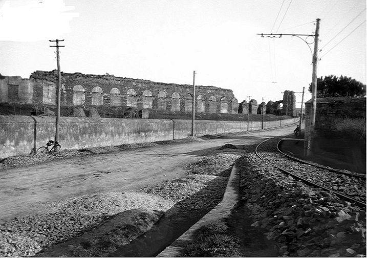 Via Tuscolana presso Porta Furba Anno: 1907/08 ca.