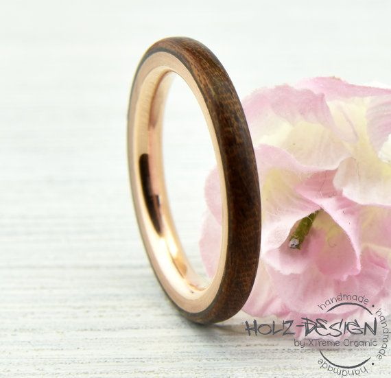 Zarter Roségold Ring mit Holz Bentwood von HolzDesignGermany   unser Favorit!