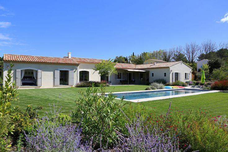 Une spacieuse plain pied - Mas Provence, leader régional de la construction de maisons individue ...