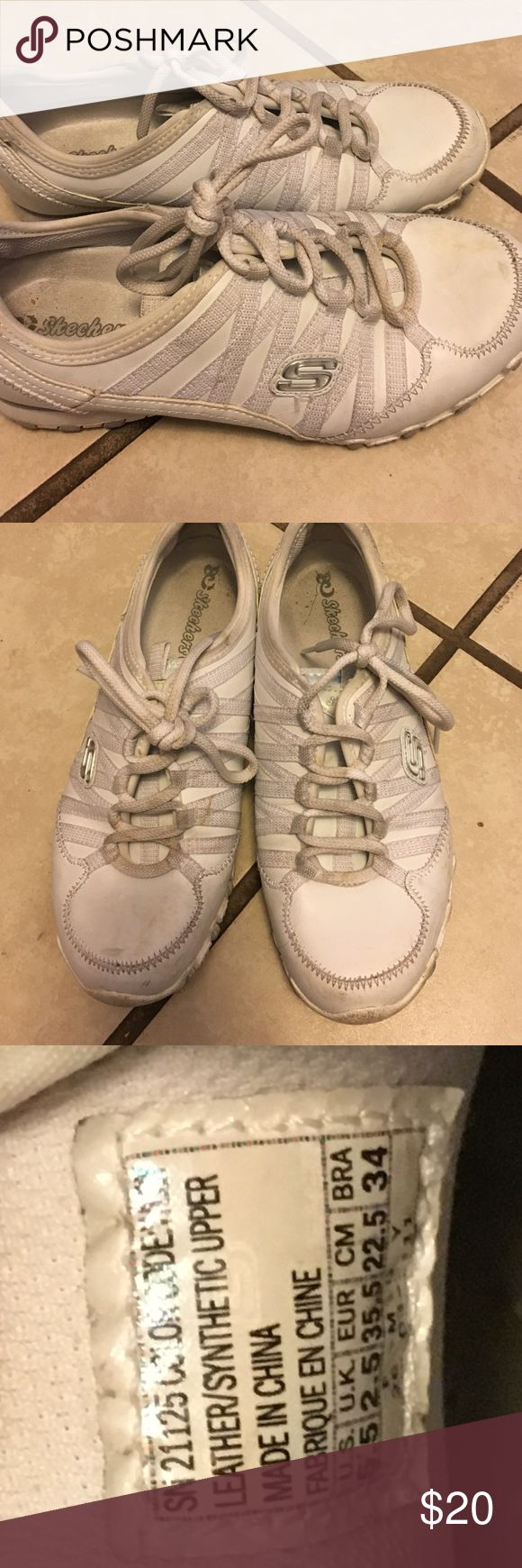 White leather Sketcher sneakers Nice leather walking/casual tennis shoes. Still in excellent condition. My daughter wore about 5-6 times sketchers Shoes Sneakers