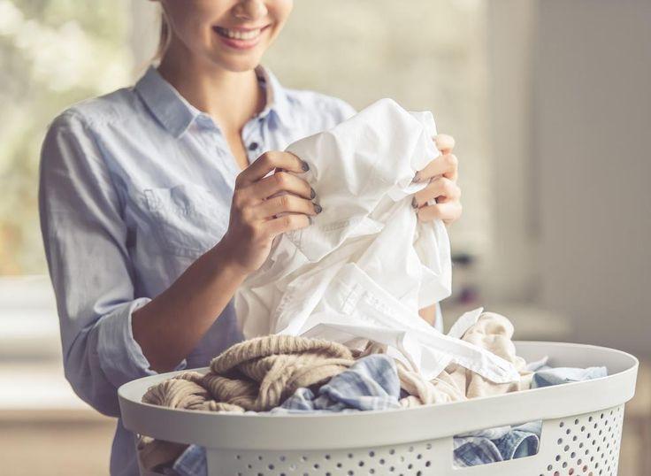 Te hard schrobben op vlekken, de was verkeerd sorteren of een kapotte droger. Iedereen maakt wel eens een foutje bij 't wassen.