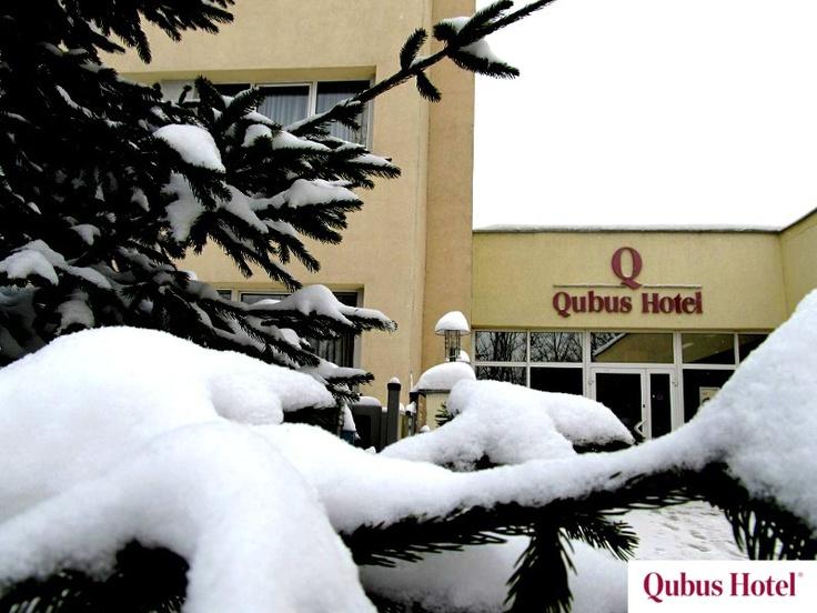 Beautiful snow scenery in the front of Qubus Hotel Wałbrzych