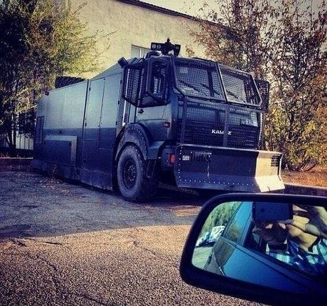 Zombie survival vehicle