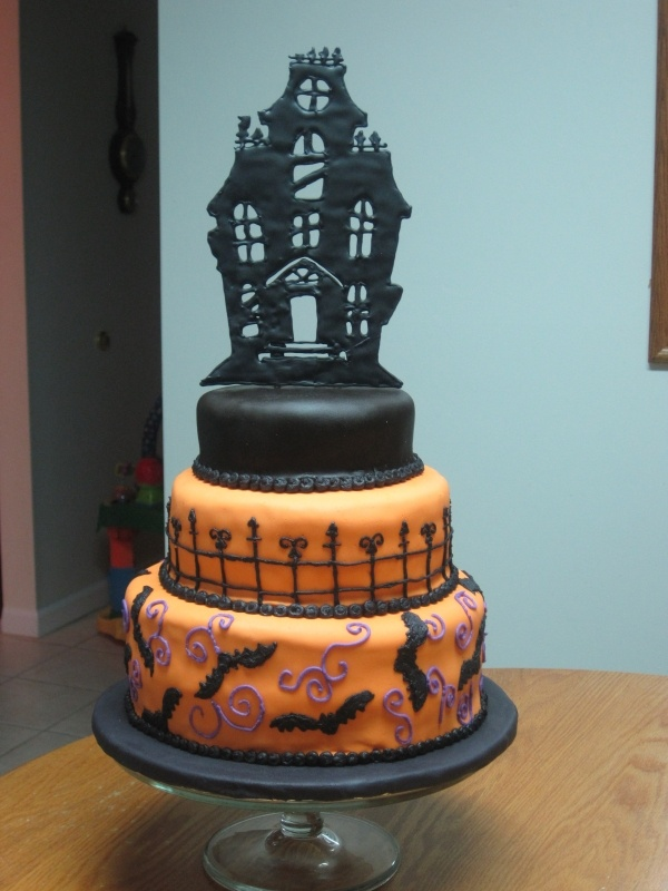 Haunted House Cake Halloween Pinterest Haunted Houses House Cake And Cakes
