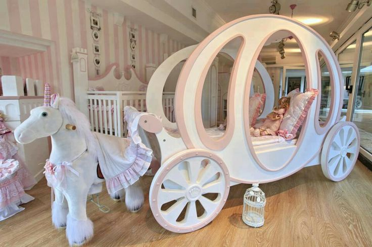 7 Inspiring Kid Room Color Options For Your Little Ones: Horse Drawn Princess Carriage Bed