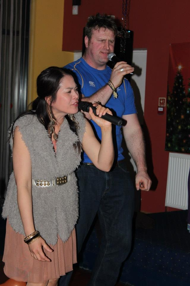 Scott singing hot stuff with Mellissa :) http://www.wickfreecandles.net/