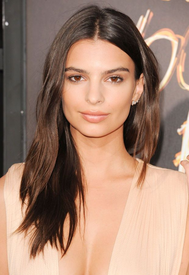 Emily Ratajkowski at the 2015 Los Angeles premiere of 'We Are Your Friends'. http://beautyeditor.ca/2015/09/02/best-beauty-looks-america-ferrera