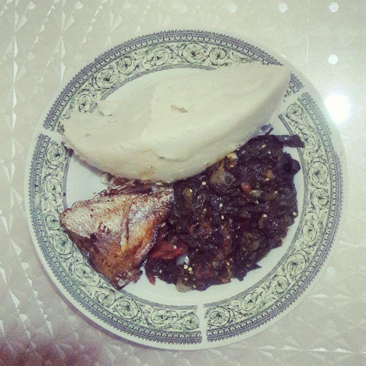 Gastronomia Angolana proveniente do Norte, especificamente das províncias do Zaire, Cabinda e Uíge. Um prato usado sobretudo nos países do antigo Reino Do Kongo. Feito pela minha mãe Paulina Zinza...