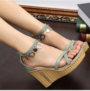 夏季新款凉鞋坡跟波西米亚风甜美日系高跟鞋防水台罗马女凉鞋冲钻-淘宝网