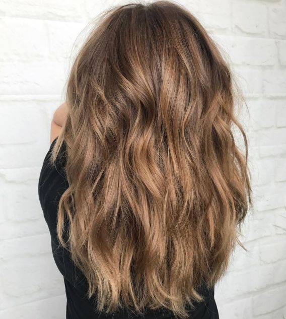 Lange geschichteten Haarschnitt für dickes Haar