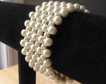 Ivory glass pearls bracelet
