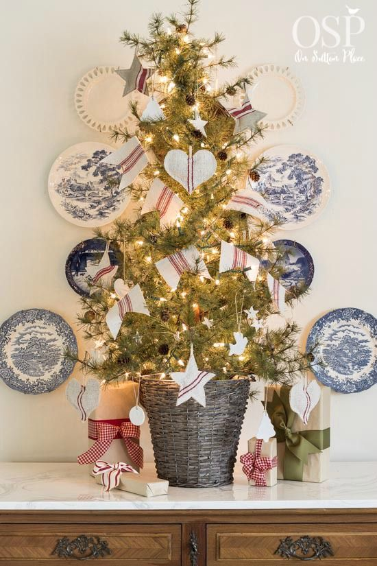 Best 300 beautiful christmas trees images on pinterest christmas diy christmas decor vintage grain sacks ideas and inspiration from onsuttonplace solutioingenieria Image collections