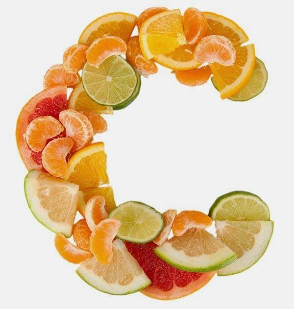 apakah benar mengkonsumsi vitamin C dosis tinggi tidak berefek apa-apa terhadap tubuh? Dan berapa jumlah konsumsi yang aman bagi tubuh manusia?