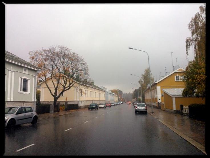 Border street, Tervahovinkatu. Martti on the right, V on the left.