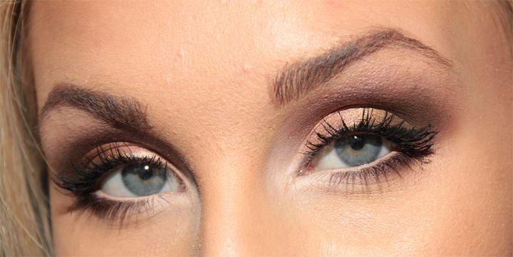 Fantastic eye makeup by swedish blogger Helen Torsgården, http://blogg.veckorevyn.com/hiilen/2012/02/15/dagens-makeup-old-gold/