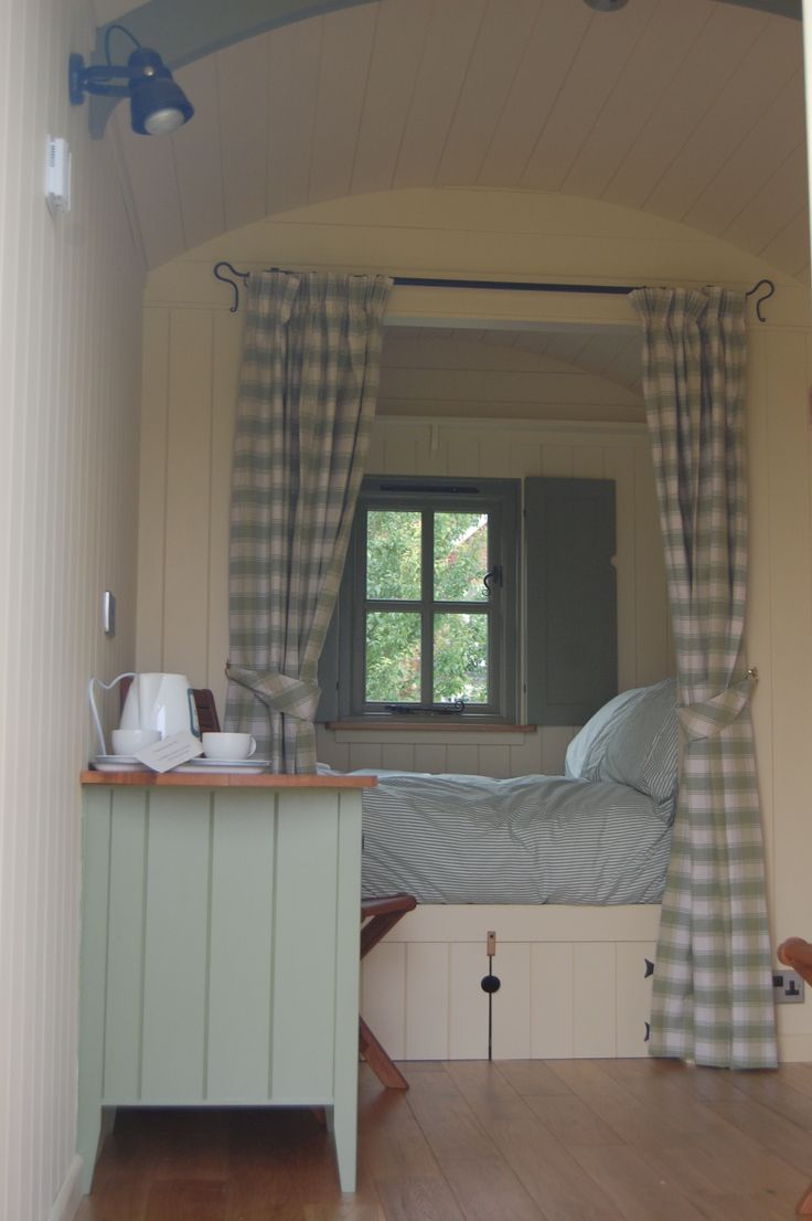 Holiday accommodation in a Plankbridge shepherds hut. Bespoke shepherds' huts made by craftsmen in Dorset UK