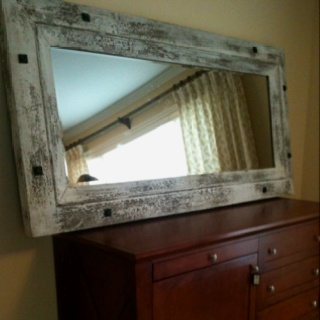 Beautiful rustic mirror. Worth every penny.