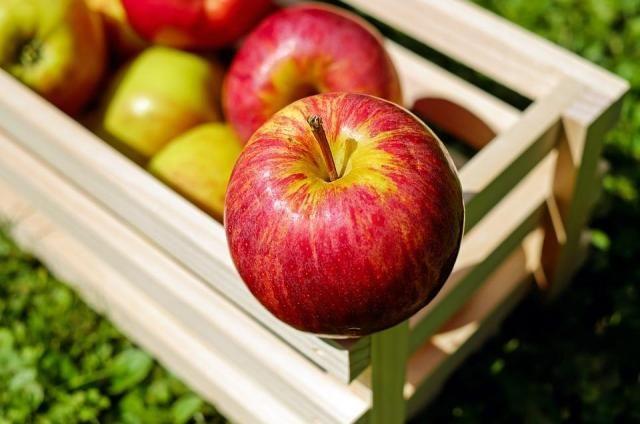 Dlaczego powinnaś jeść jabłko każdego dnia? Poznaj niesamowite właściwości tego owocu