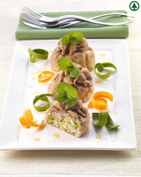 Fagottini di pasta fillo integrale con salmone e zucchine | casadivita.despar.it