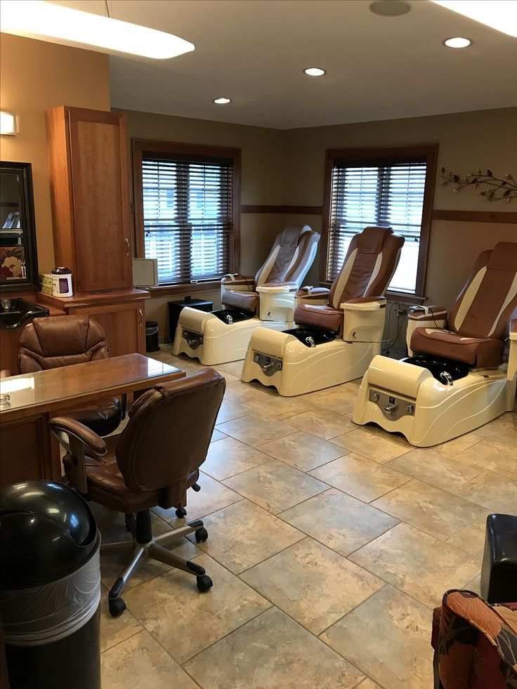 Salon station - pedicures and manicures