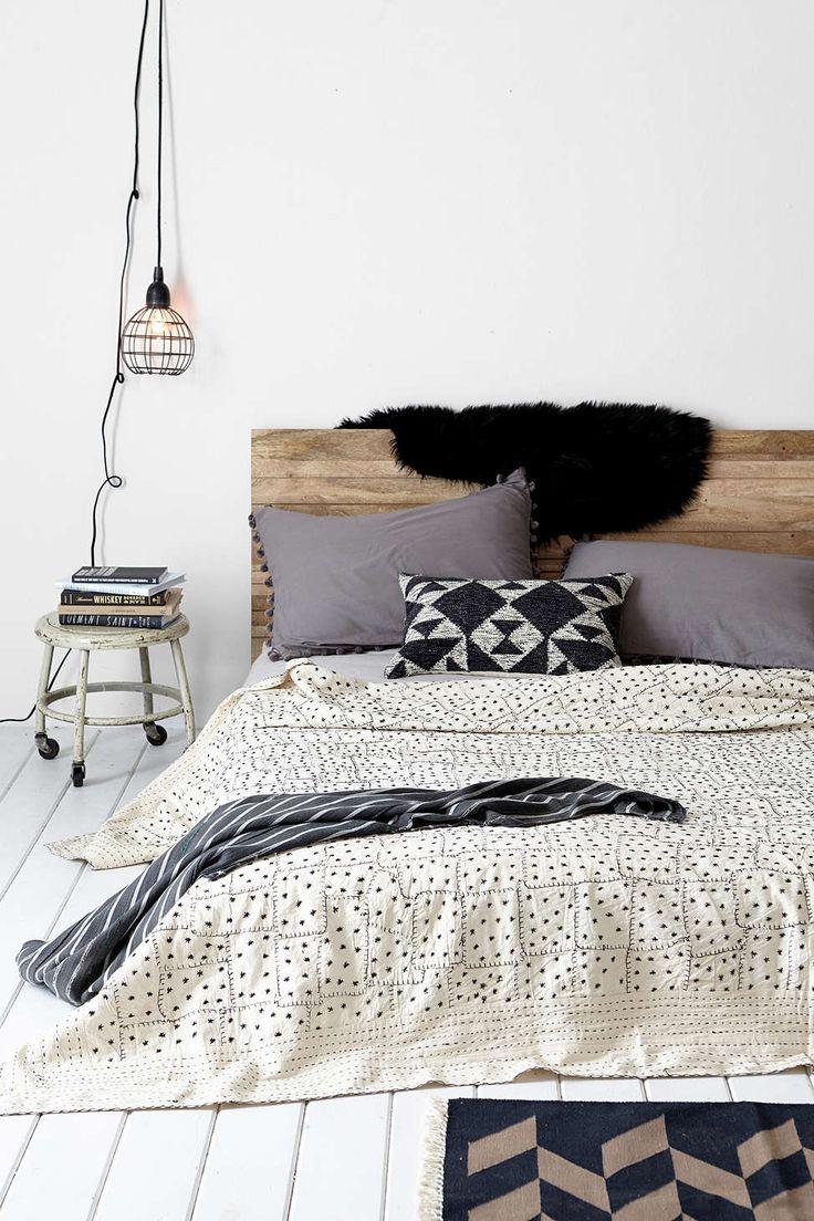 #chambre #housse #couette #linge #lit #petits #motifs #pois #point #noir #blanc #carre