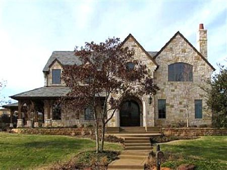 Texas hill country limestone house home exteriors for Hill country stone