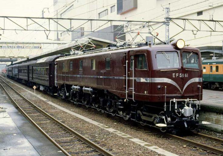 お召列車 EF5861 1号御料車