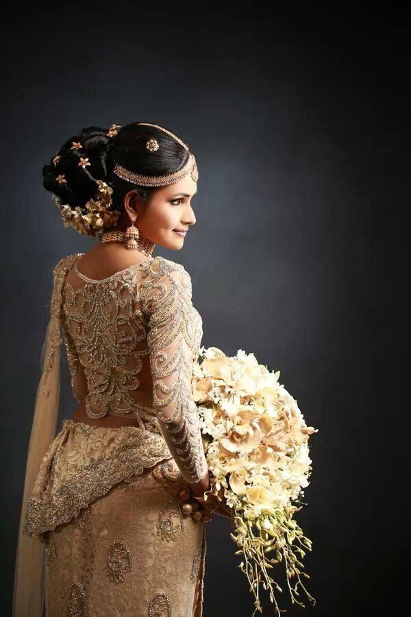 Traditional sri lankan wedding sri lankan themed wedding for Sri lankan wedding dress